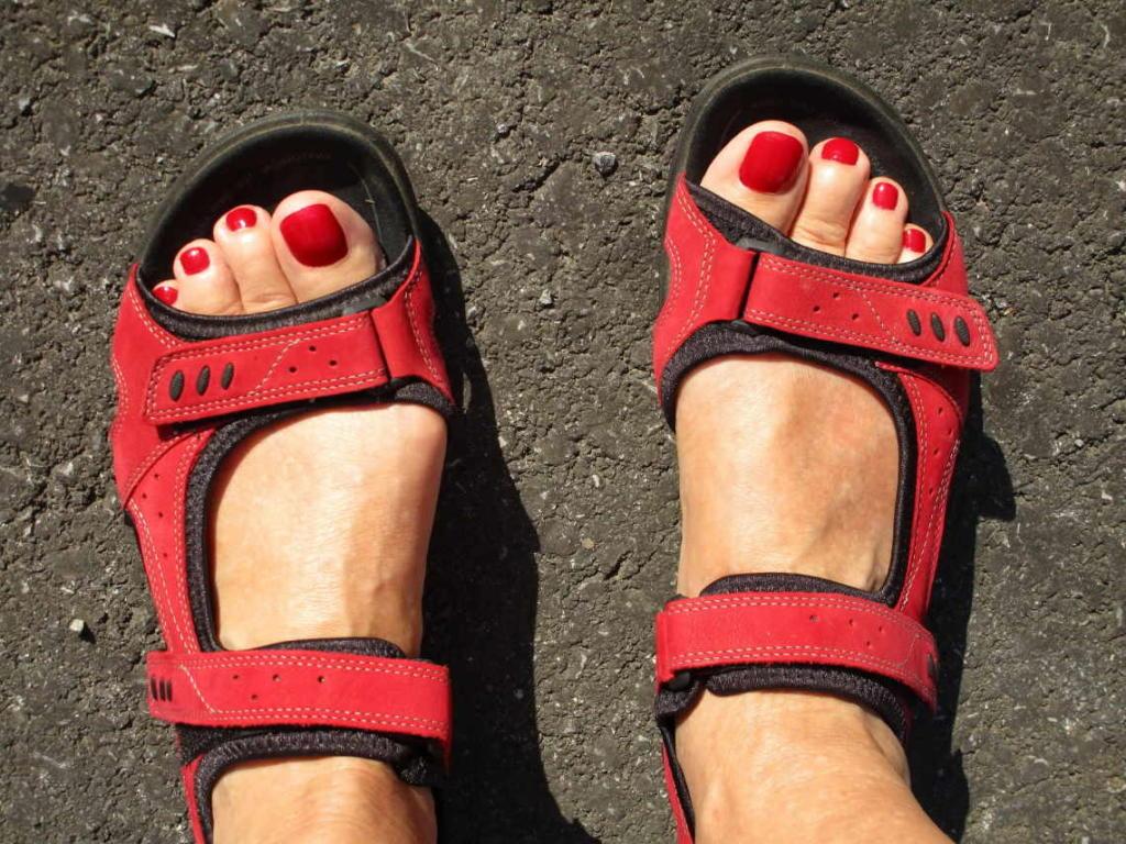 Posjeta vinariji zahtjeva i da pripazite na obuću - sportske sandale idealne su za hodanje po vinogradu